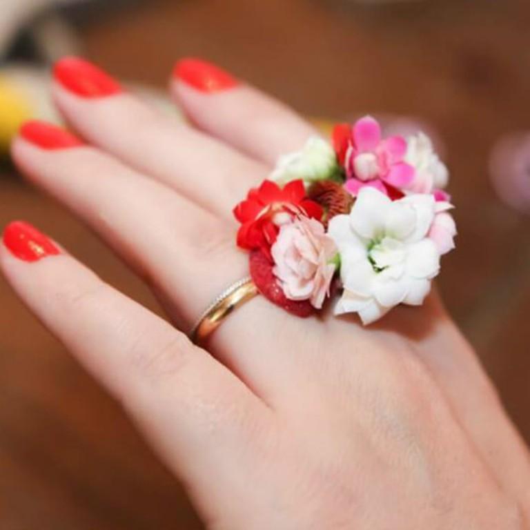 inelul de flori de mihaela cd