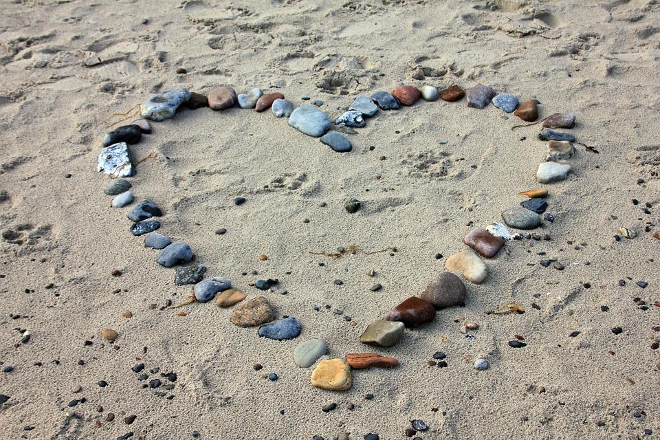 Pe plaja s-a infiripat simtirea de Mihaela CD