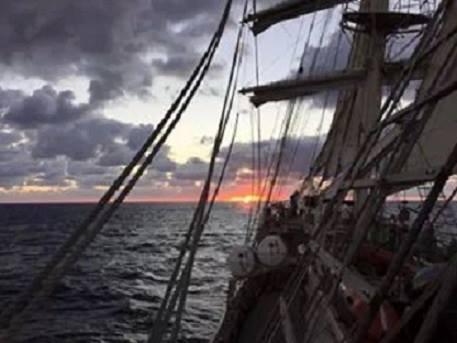 corabia viselor de dvd